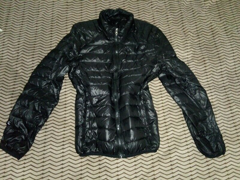 Campera nylon negra