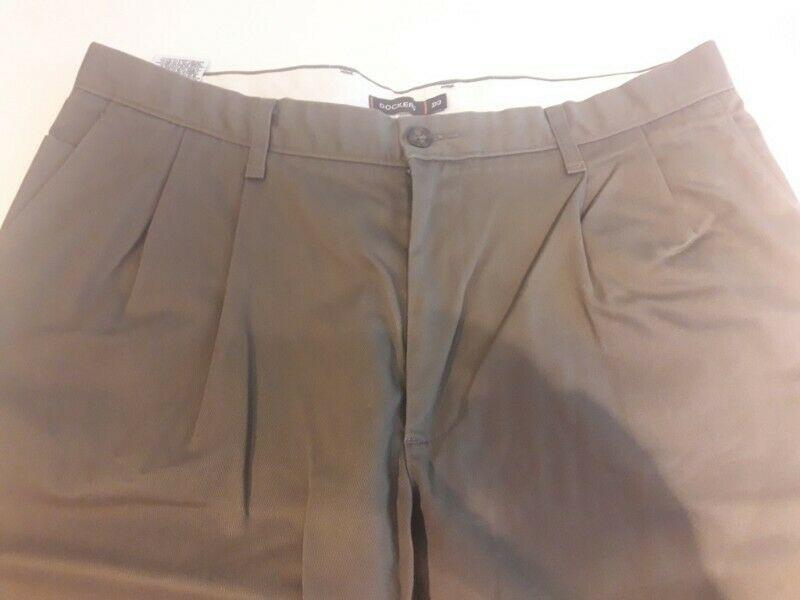 Pantalon de Vestir de Hombre Talle 36. Marca: Dockers.