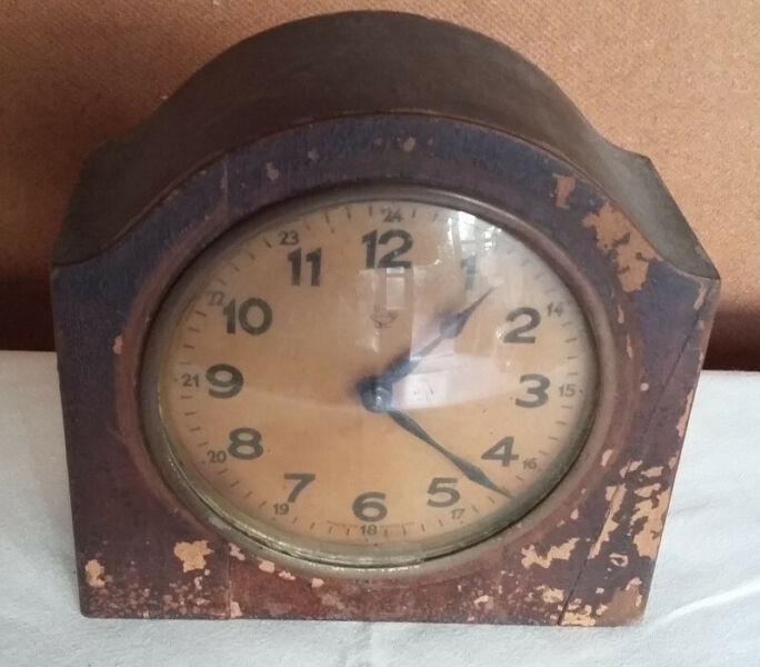 reloj de mesa antiguo
