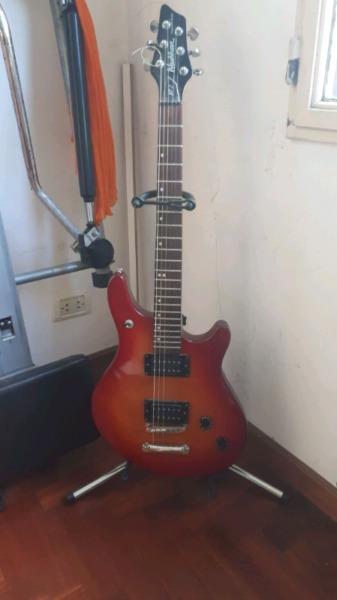 guitarra Washburn Maverick bt década del 90