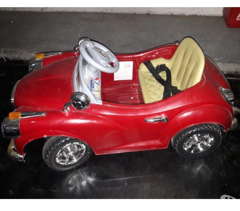 Auto antiguo a batería para niños
