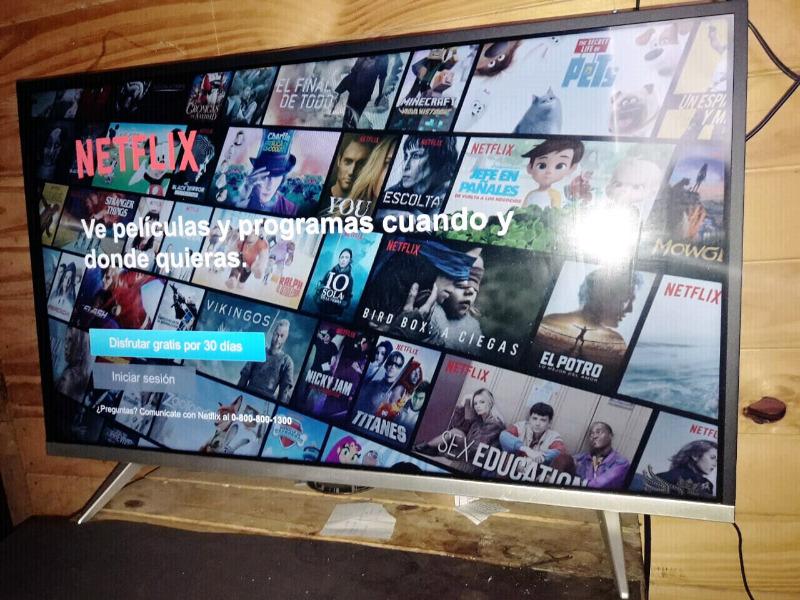 """Smart tv Hitachi 32"""" impecable"""