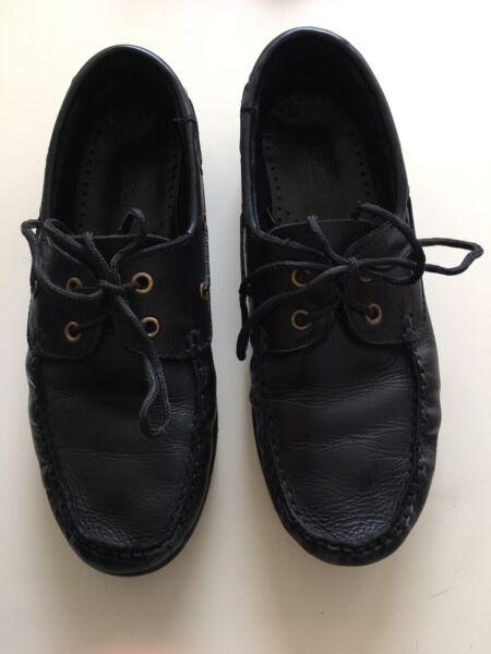 Zapato Colegial Marciel Talle 39. muy poco uso. impecables