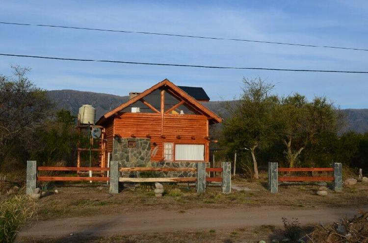 CABAÑA DE TRONCO EN LAS SIERRAS DE SAN LUISFINANCIADO