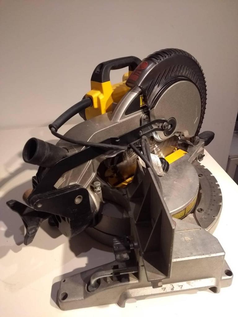 Ingletadora Dewalt biseladora 10 pulg  w dw714