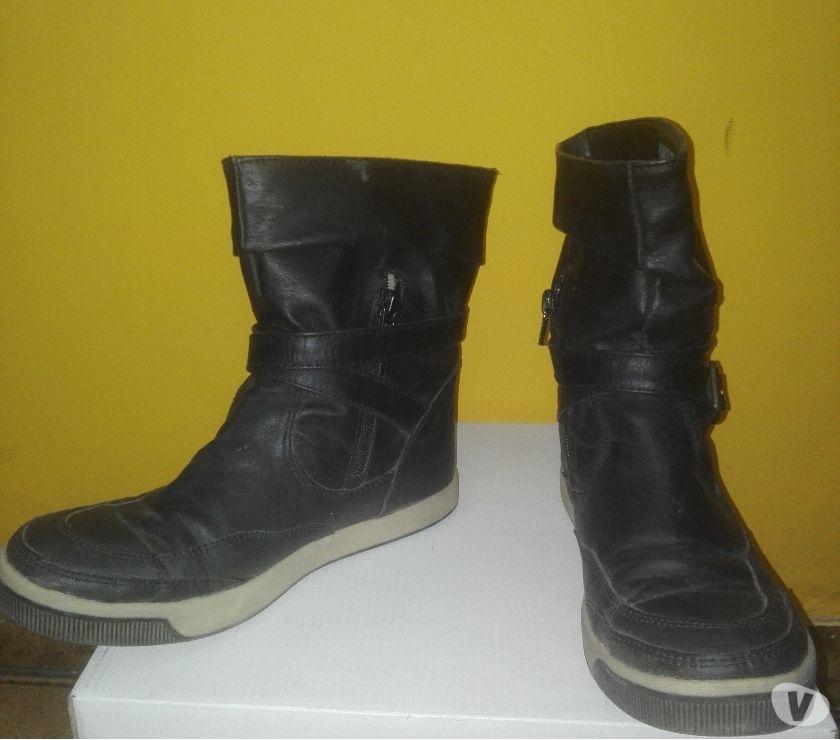Botas color negro nro 38