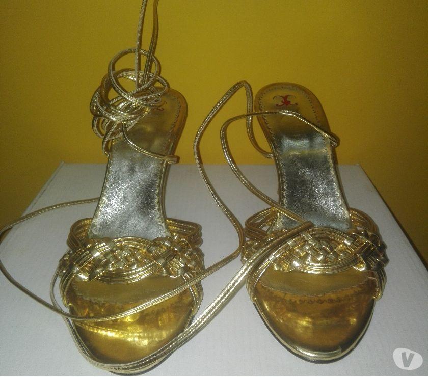 Sandalias de fiesta, nro 38, doradas. NUEVAS