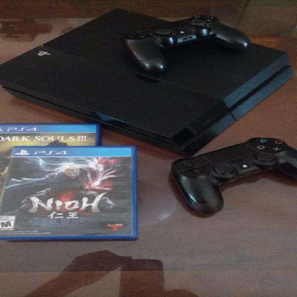 Playstation 4, 2 Joystick, 5 JUEGOS: 2 juegos fisicos, 3