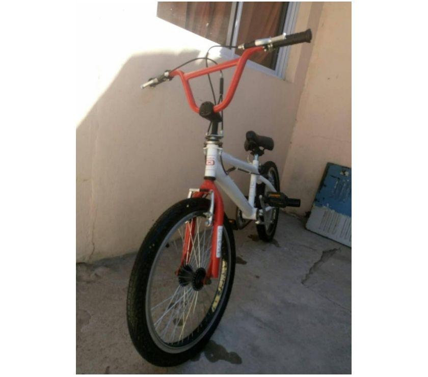 bici bicicleta OXEA EXTREME en perfecto estado, nueva, nunca