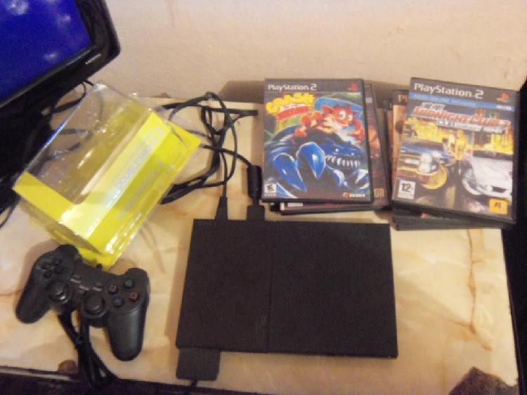 Play 2,, PS2, con 1 joystick nuevo, memoria y juegos,