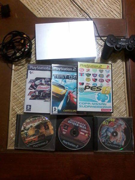 Playstation 2 Sony chipeada, un joystick, 6 juegos