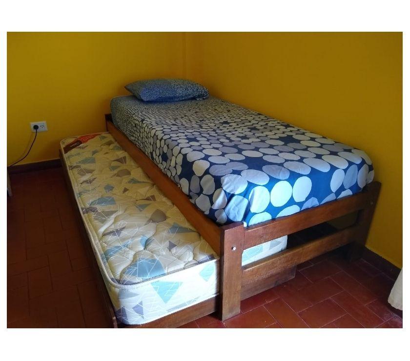Vendo cama de algarrobo marinera usada