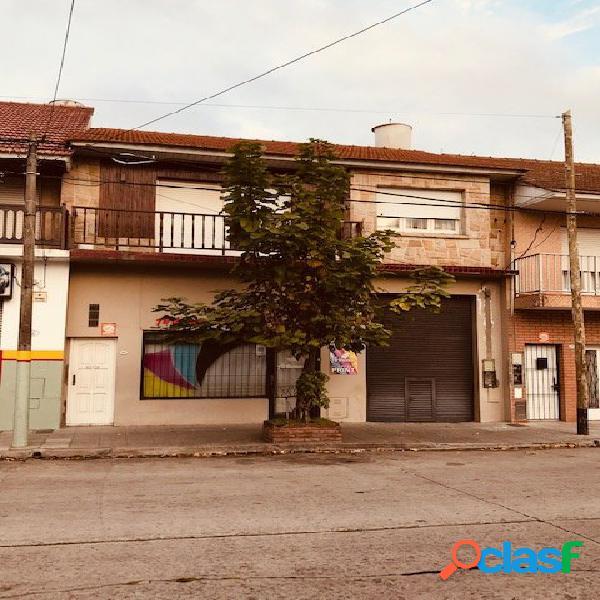 PROPIEDAD EN BLOCK,LOCAL, GALPON, 2 CASA DE 3 AMBIENTES