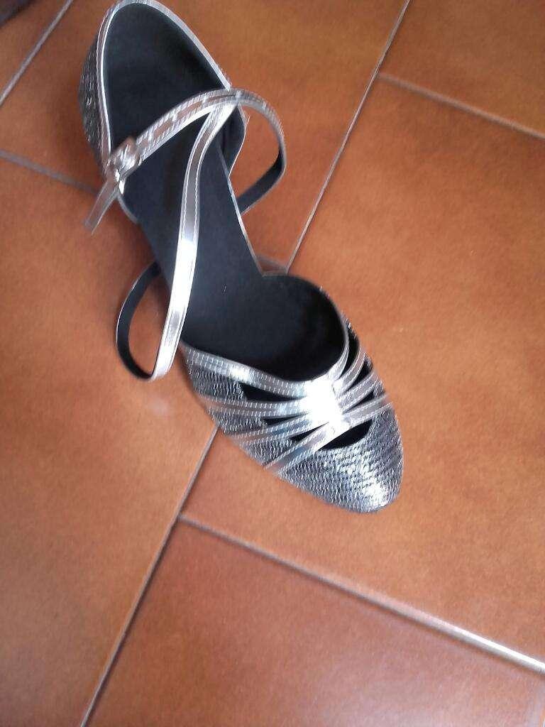Zapatos de Baile sin Uso Numero 38.suela