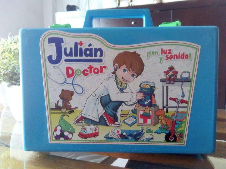 VALIJA JULIAN DOCTOR GRANDE C/ ACCESORIOS LUZ Y SONIDO