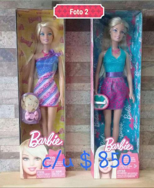 vendo muñecas Barbie nuevas en caja original.