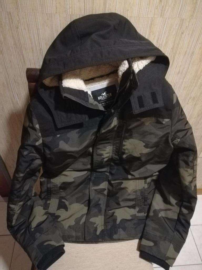 Campera HOLLISTER original impermeable con abrigo de