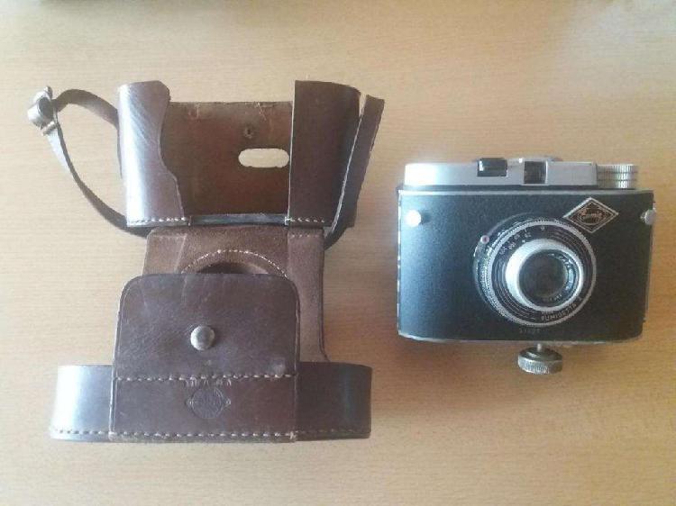 Vendo 3 camaras de fotos antiguas Para coleccionar.