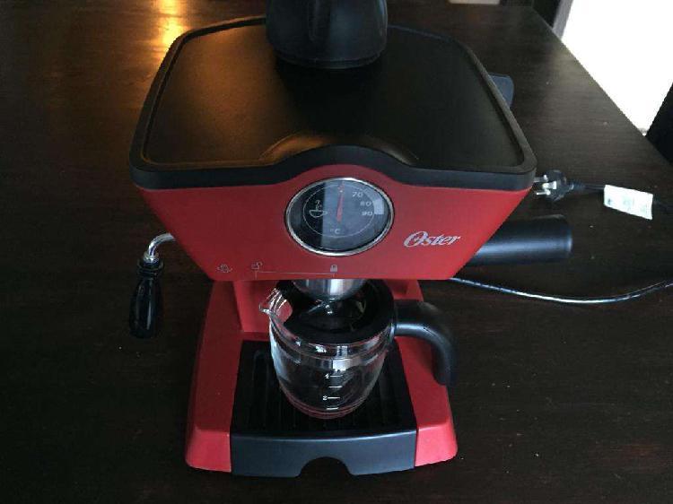 Cafetera Espresso Oster Modelo Bvstem4188