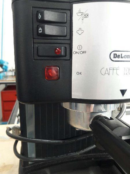 Cafetera Expresso Delonghi
