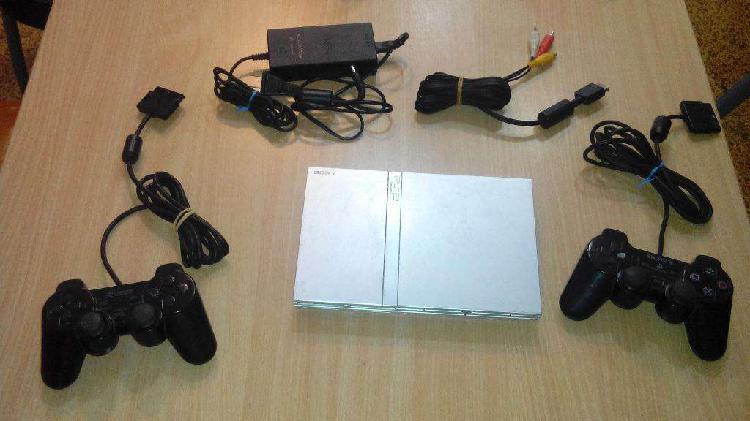 Playstation 2 Chipeada con 21 Juegos