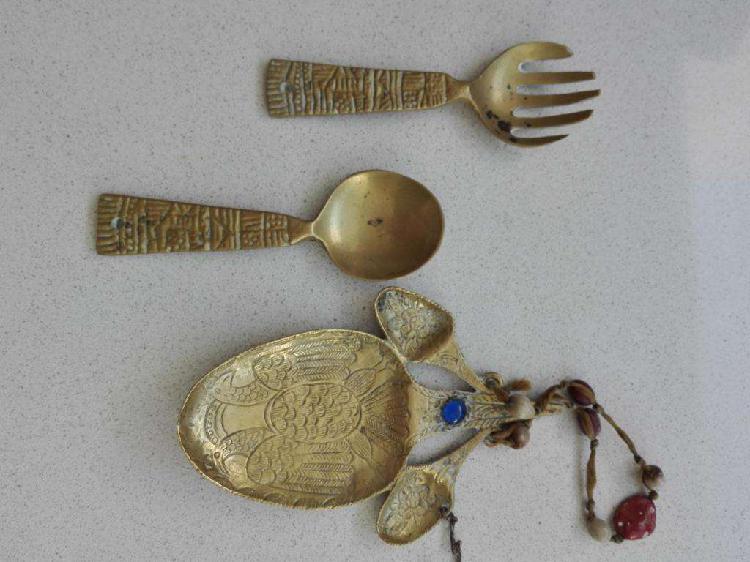 Cuchara tenedor y adorno cocina de bronce precio x las 3