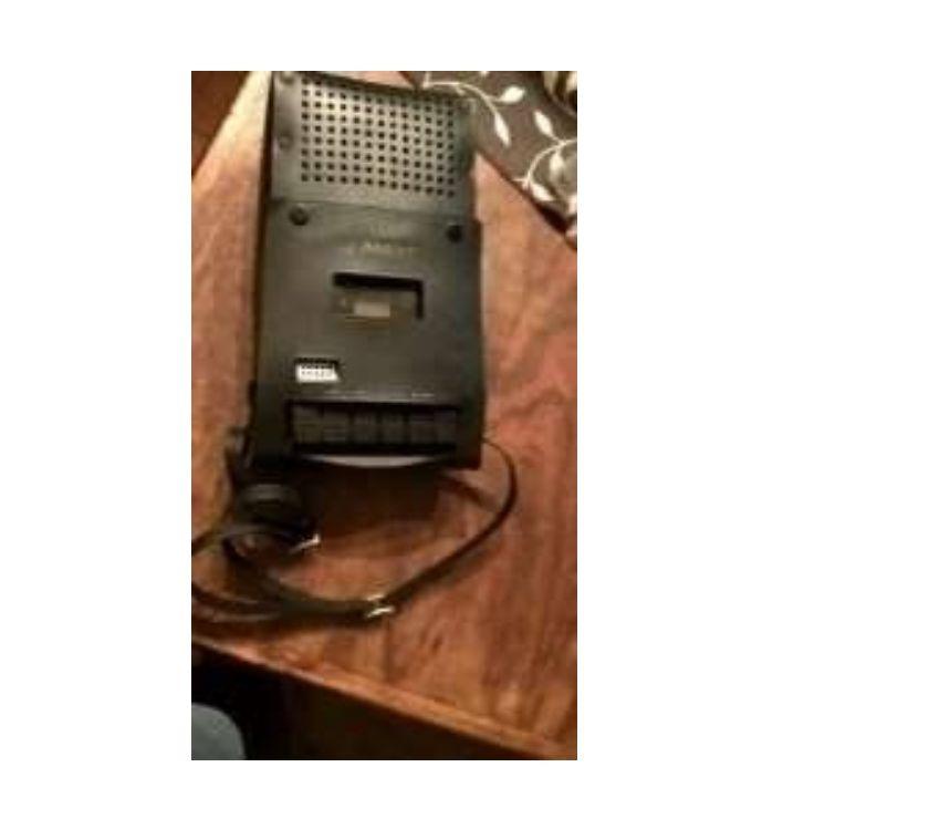 antiguo grabador y reproductor de cassette Sanyo