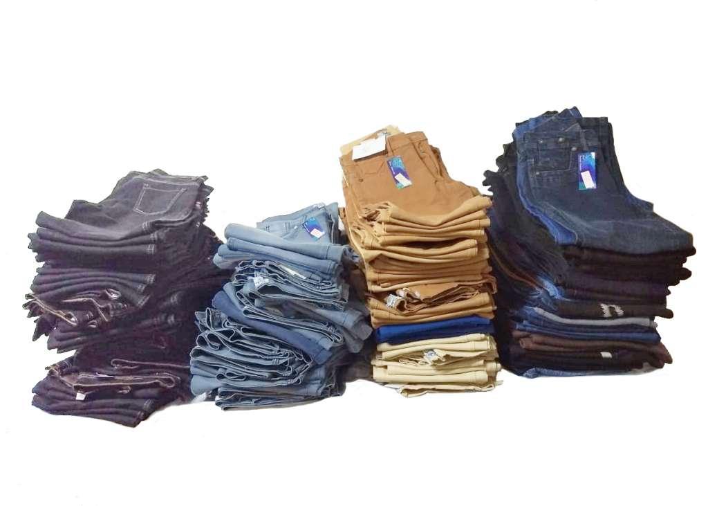 Vendo Lote de 150 Jeans Mujer a  escucho oferta