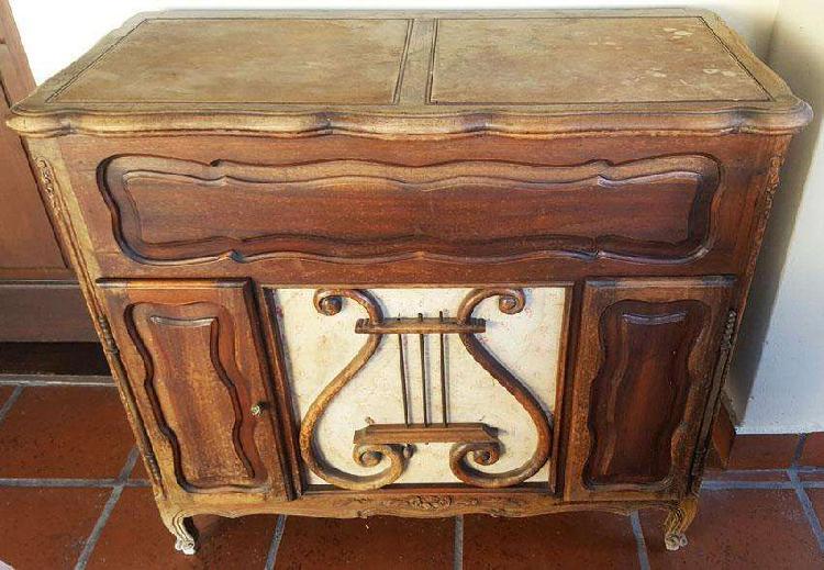 Mueble tocadiscos y radio antiguo Winco