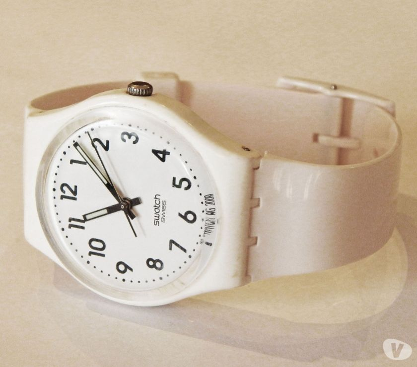 Reloj marca SWATCH Gw151o Just White Blanco. (ROSARIO)