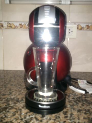 Cafetera Exprees Moulinex (Nescafe Dolce Gusto)