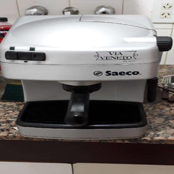 Cafetera Express Saeco