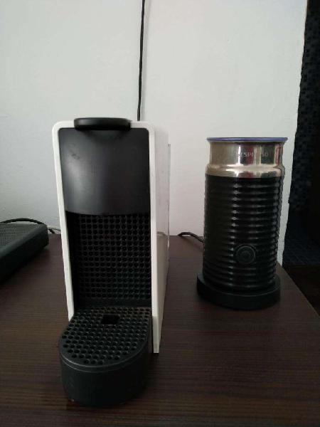 Cafetera Nespresso Essenza Mini Aeroccino 3 50 Capsulas