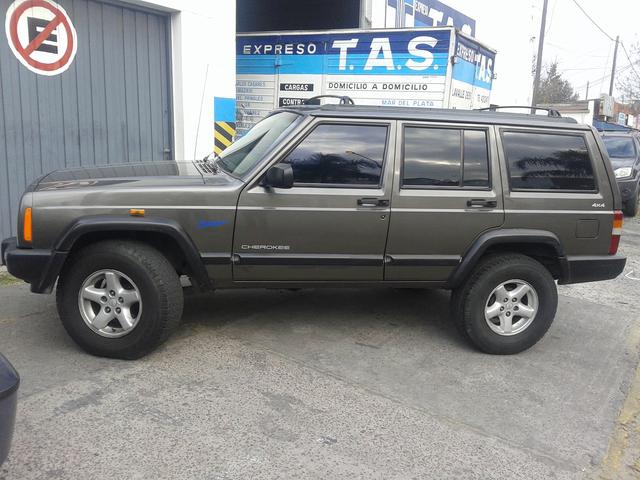 Jeep Cherokee 4x4 Turbo Diesel 2.5 Impecable