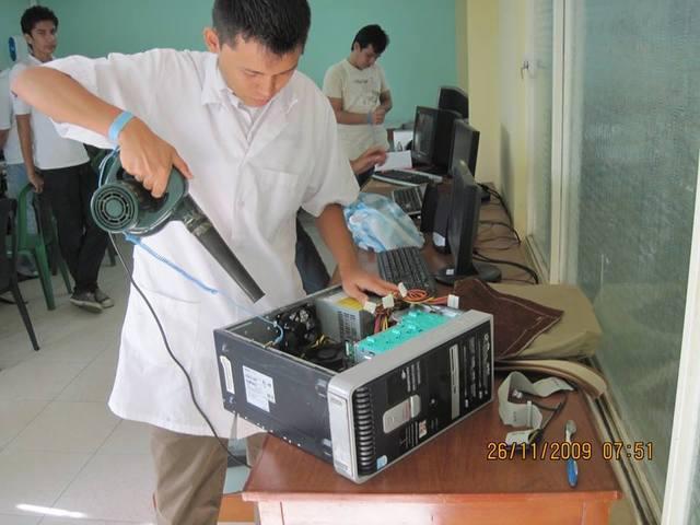 Servicio de limpieza preventiva de equipos de computación.
