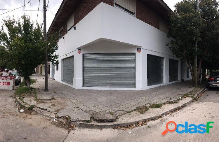 LOCAL COMERCIAL EN VENTA - ZONA GARAY Y CHILE