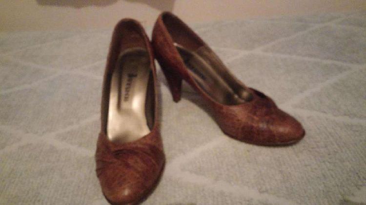 Zapato de Cuero Marrón Simil Reptil