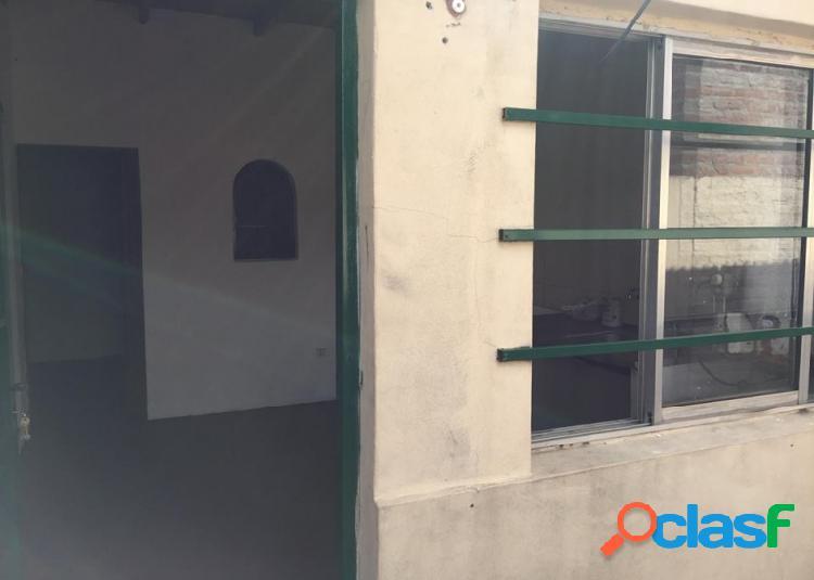 ALQUILER Departamento 2 ambientes, ubicado en Rivadavia