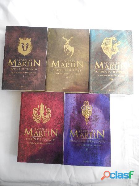 Compro libros en capital y zona norte 45510132 // 1558805897