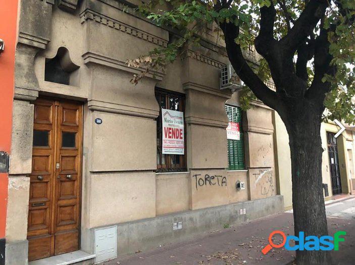 Venta de Casa Centrica, 4 dormitorios! Calle 23 e/ 18 y 16.