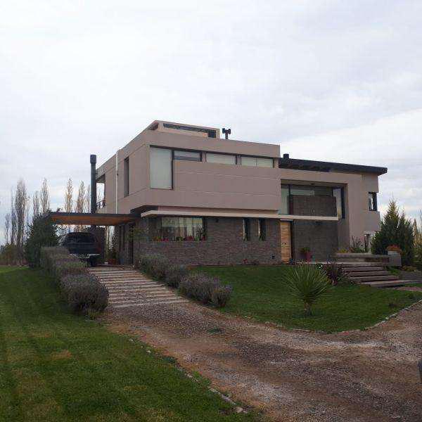 Casa en Alquiler en La falda, Cipolletti 50000