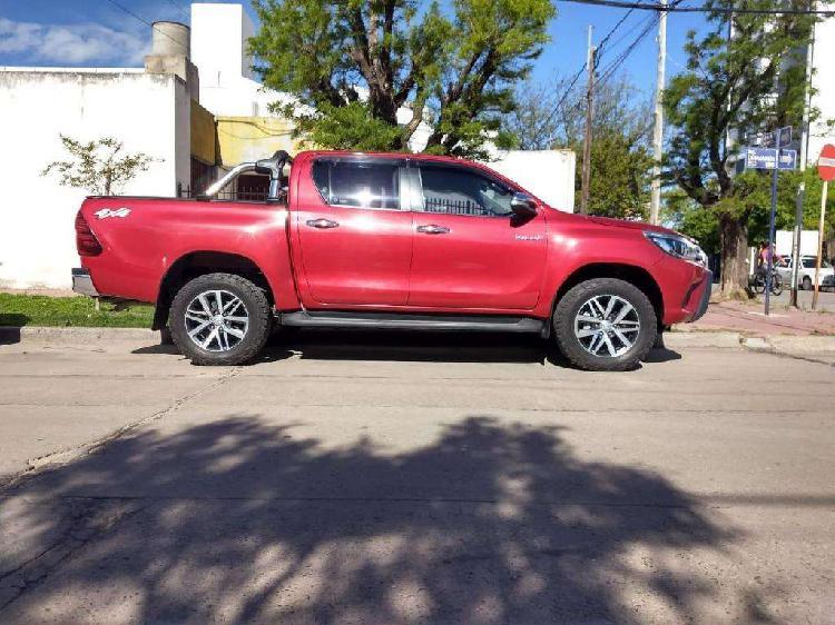 Toyota hilux 28 4x4 srx