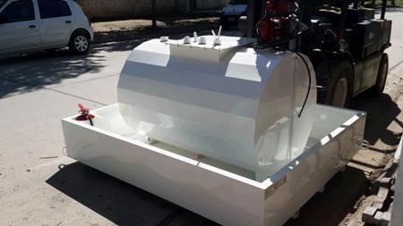 Tanque de acero al carbono para combustible con batea anti