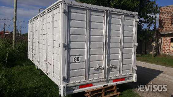 Vendo carrocería todo puertas para camión en Berisso