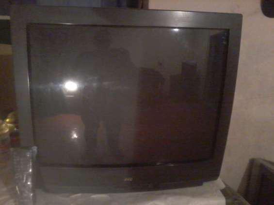 Vendo tv jvc 29 pulgadas con control remoto en Córdoba
