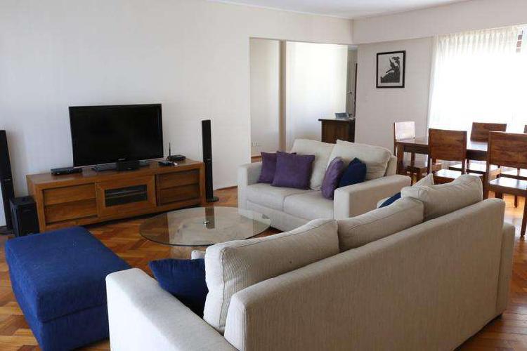 Alquilo Temporario en Recoleta, impecable 4 ambientes, 4 PAX