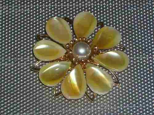 Antiguo Prendedor Broche Nacar Original Forma Flor Cº Nx45l