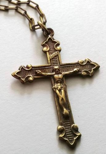 Crucifijo Dije De Bronce Antiguo Con Cadena