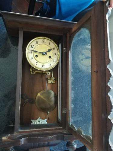 Antiguo Reloj A Pendulo De Pared