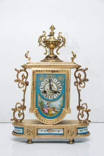 Antiguo Reloj De Mesa De Bronce Francés
